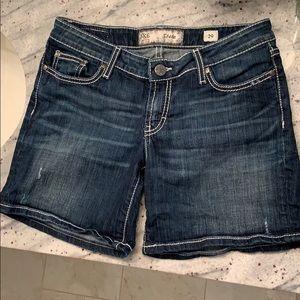 BKE Stella Women's Jean shorts Sz 29